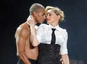 Brahim-Zaibat-Madonna-est-une-machine-!_portrait_w674