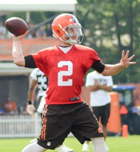 Johnny_Manziel_2014_Browns_training_camp_(2)