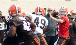 Johnny_Manziel_training_camp_Browns_2014_(3)